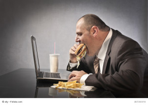 Männer in XXXL-Größen können sich im Büro nicht über mehr Gehalt freuen.